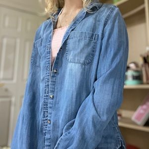 💙Abercrombie and Fitch Denim Jacket💙 SUPER SOFT!